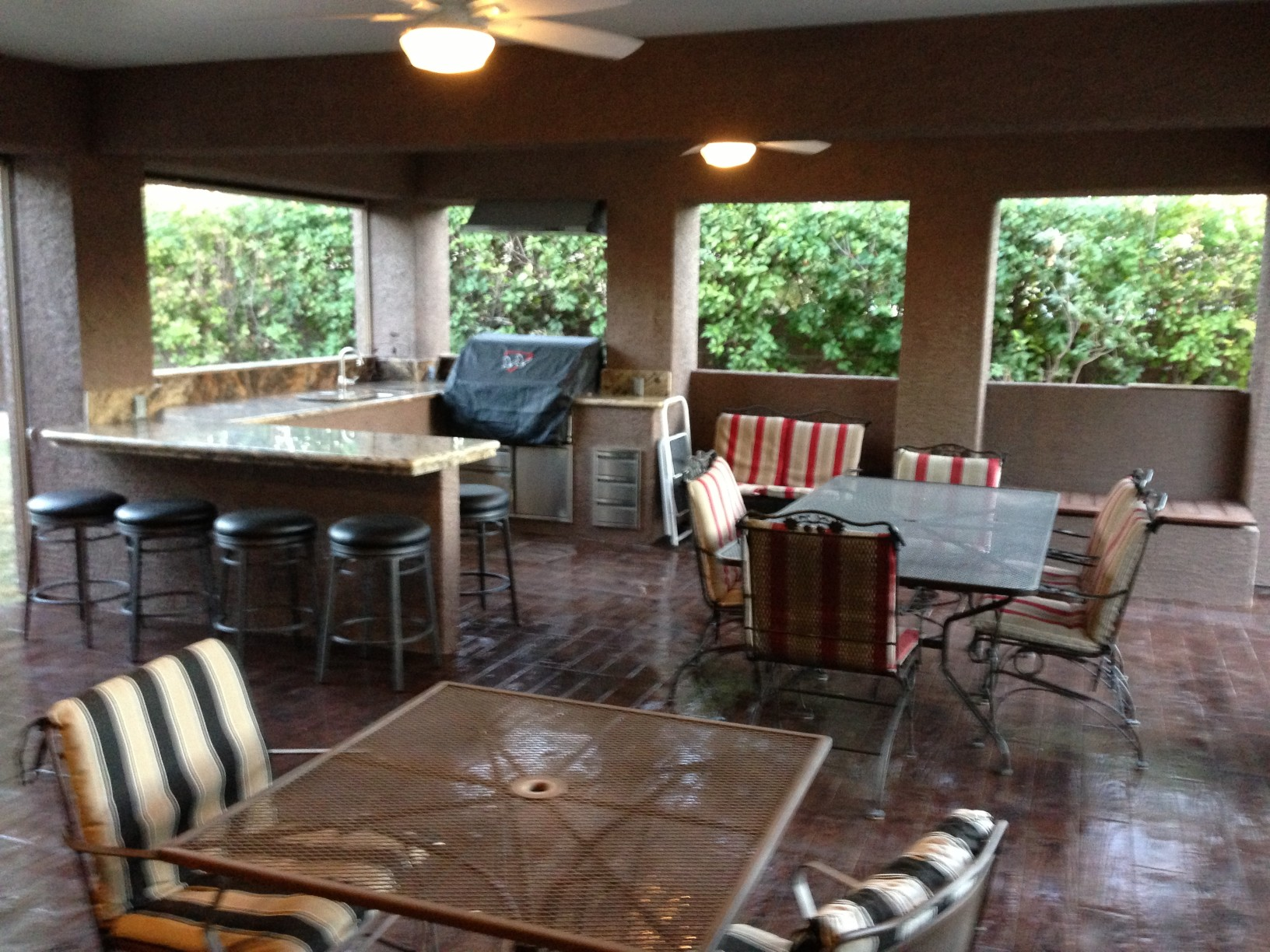 Patio with outdoor kitchen fairless homes henderson nv for Outdoor kitchen and patio